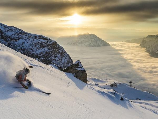 Marčevsko smučanje v sončnem Alpe d'Huez na 3.330 metrih nadmorske višine!