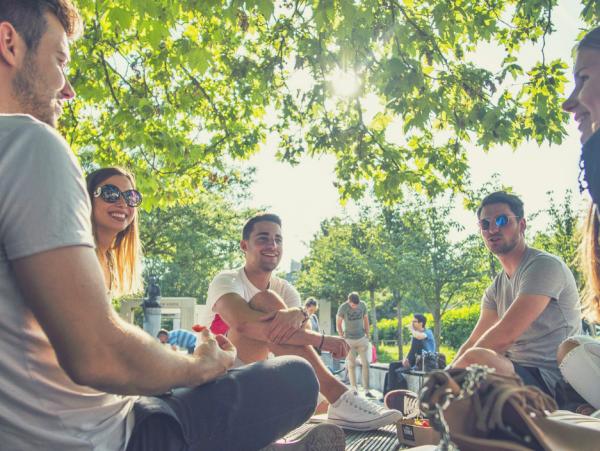 Poletni jezikovni tečaji konverzacije za odrasle