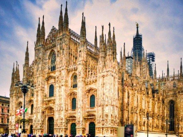 Čaroben predbožični Milano, mesto mode in nogometa!